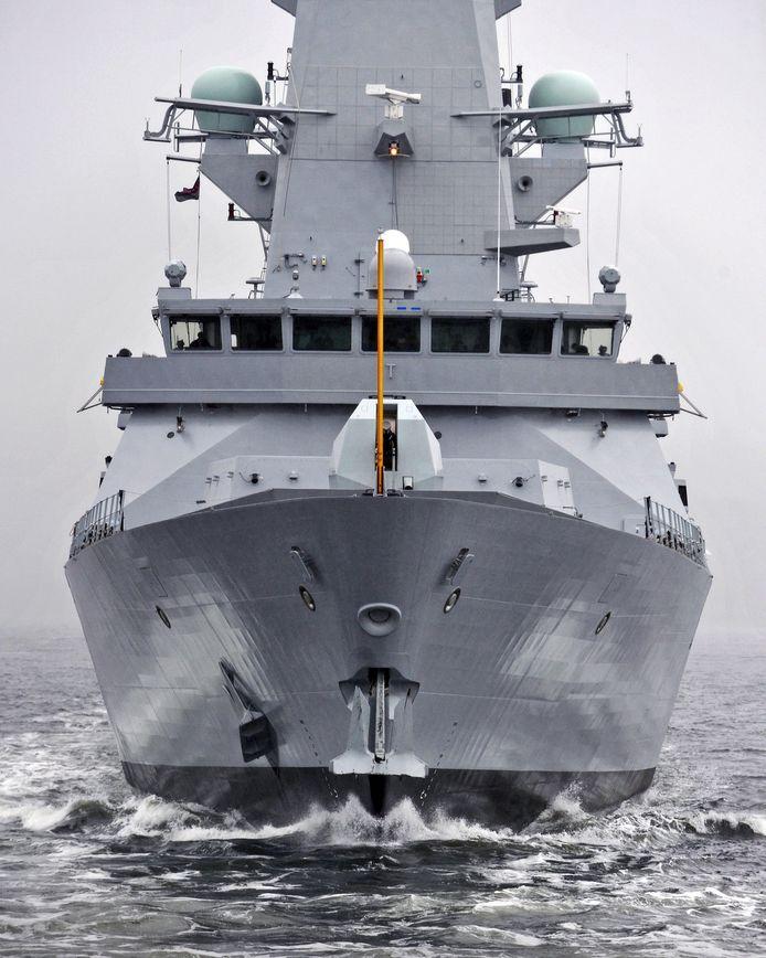 De Britse oorlogsbodem HMS Montrose die in de Straat van Hormuz patrouilleert, kon vrijdag niet voorkomen dat de tanker Stena Impero in beslag werd genomen door Iran.  Foto AFP
