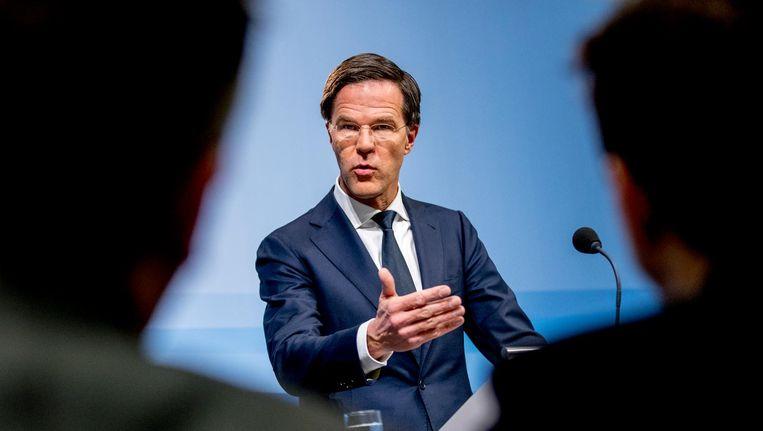 Mark Rutte staat de pers te woord na afloop van de wekelijkse ministerraad. Beeld null