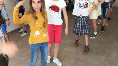 Leerlingen Sint-Lutgardis dansen in voor bewoners rusthuis