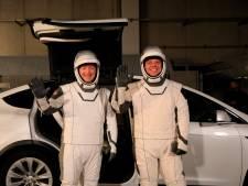 SpaceX cherche quatre clients privés pour un vol dans l'espace