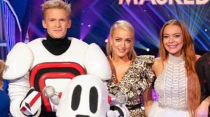 Lindsay Lohan haalt uit naar Cody Simpson en zijn relatie met Miley Cyrus (vlak nadat ze hem een talentenjacht laat winnen)