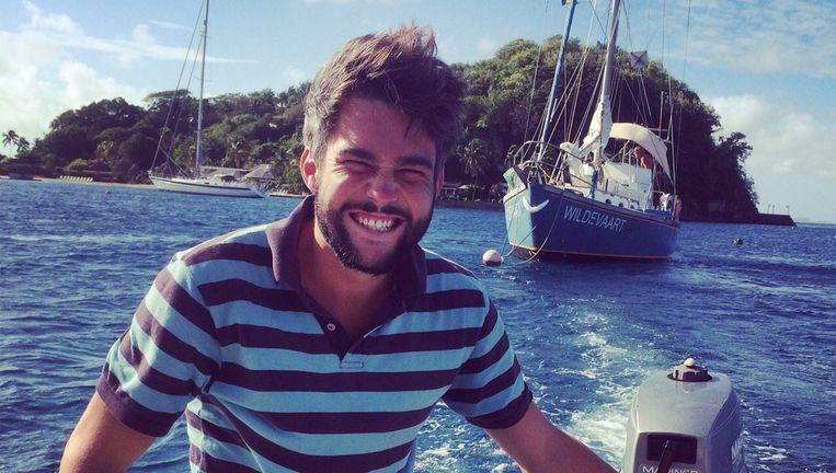 Laurens Higler, met op de achtergrond zeilboot Wildevaart. Zijn moeder Rianne: 'Hij is intens gelukkig geweest.' Beeld BNN