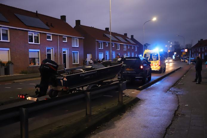 Op de Westroijensestraat in Tiel botste een automobilist met een jonge fietser.
