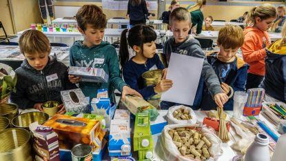 100 kinderen zitten even op de 'Kinderuniversiteit'