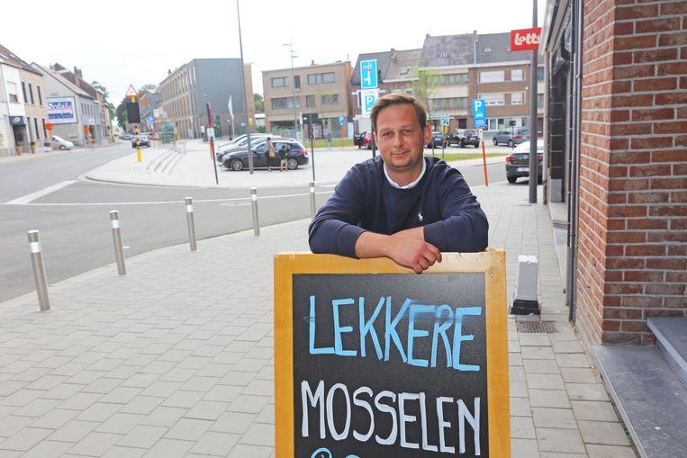 Visboer Sam Boel zag een pak minder klanten omdat de Nieuwstraat afgesloten was.