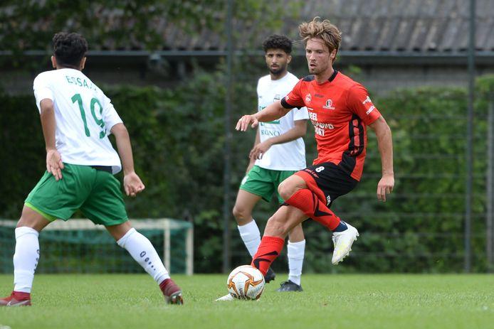 Orhan Dzepar in actie tegen Al-Ahli.