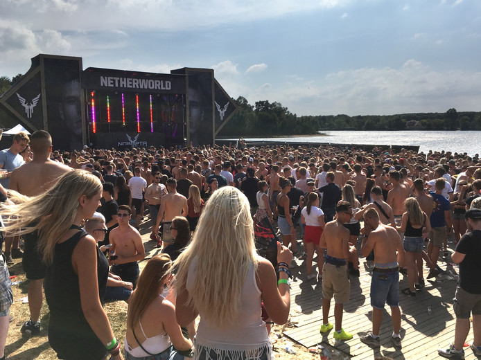 'Fatality: The Raw Outdoor Festival' aan de Geffense Plas in Oss
