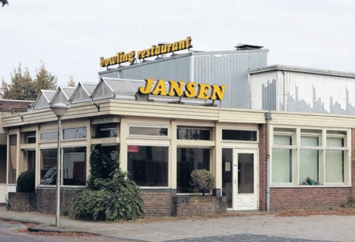 Party Centrum Jansen in Lemelerveld ging juli 2010 op slot. Op deze plek moeten woningen komen.