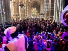 Pieten van het Pietenplein in Deventer blijven zwart