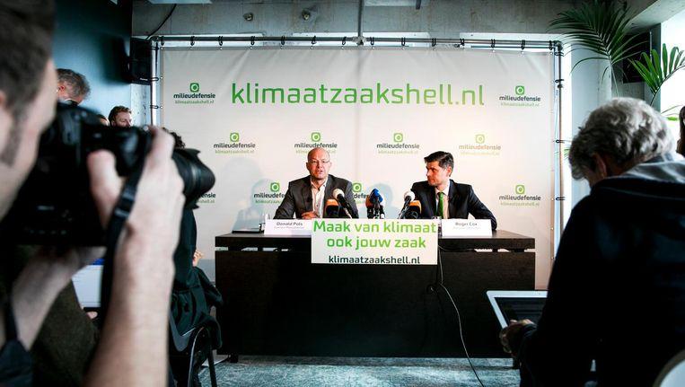 Milieudefensie maakte de klimaatzaak woensdagmorgen bekend in de A'DAM Toren, het oude hoofdkantoor van Shell. Beeld anp