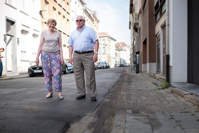 Agnes Reynaert en Jean-Luc Verheyden in de Augustijnenstraat.