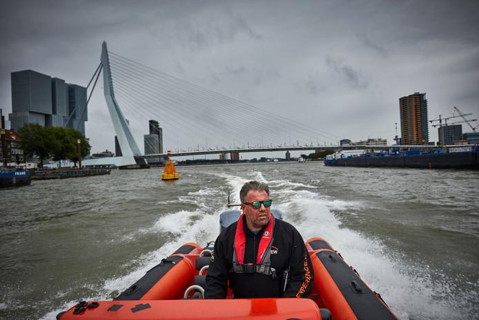 Marc van der Veen van Rib Experience in Rotterdam. ,,Als je met een RIB vaart, moet je weten dat je met een vaartuig met een verhoogd risico onderweg bent.''