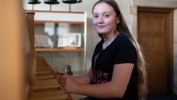 """""""Uitzonderlijk talent!"""": Tweevoudig Belgisch kampioen karate studeert als jongste ooit af aan Beiaardschool"""