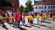 Leerlingen VBS Nazareth sluiten schooljaar af met kleurrijke stoet