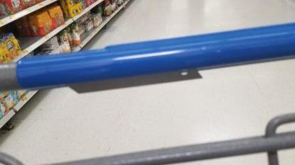 Vandalen verstoppen scheermesjes aan handvat van winkelkarretjes