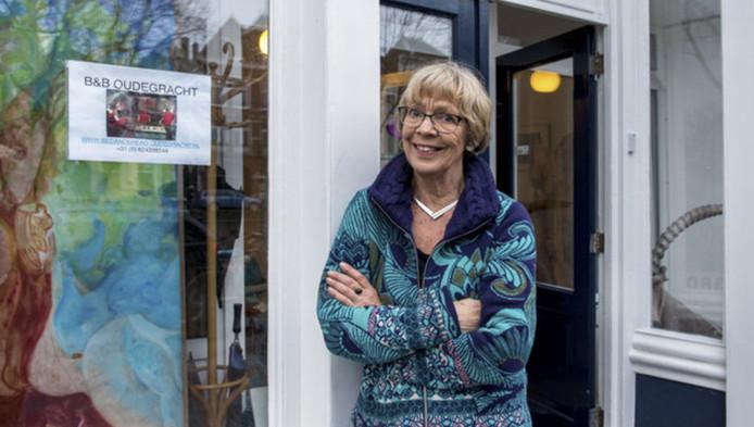 Margreet van der Linden verhuurt via Airbnb twee appartementen aan de Oudegracht