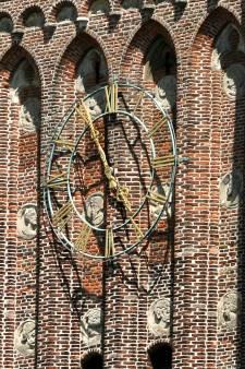 Martinustoren in Woudrichem krijgt tweede luidklok. 'Dit is de kers op de taart'