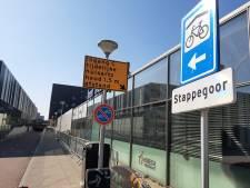 Huisartsen in Tilburg wijken uit naar kerk en sportzaal voor patiënten met corona-klachten