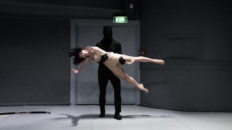 Maria Ribas en Victor Callens in Sweet like a chocolate van ICK Amsterdam Beeld Alwin Poiana