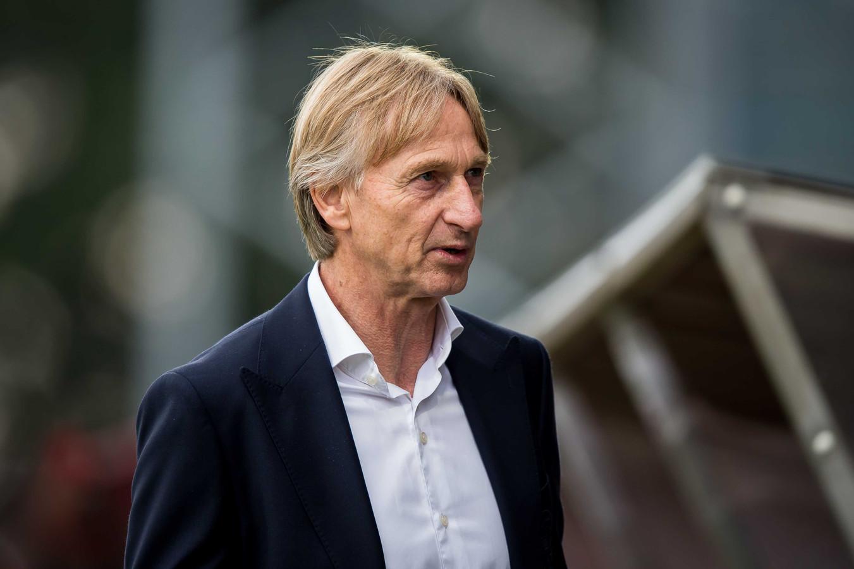 Willem II-trainer Adrie Koster tijdens de uitwedstrijd van zijn ploeg in Emmen.