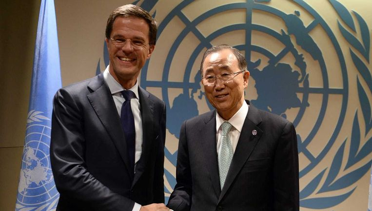Premier Mark Rutte ontmoet VN-topman Ban Ki-moon tijdens een bijeenkomst in het kader van de klimaattop van de Verenigde Naties. Beeld null