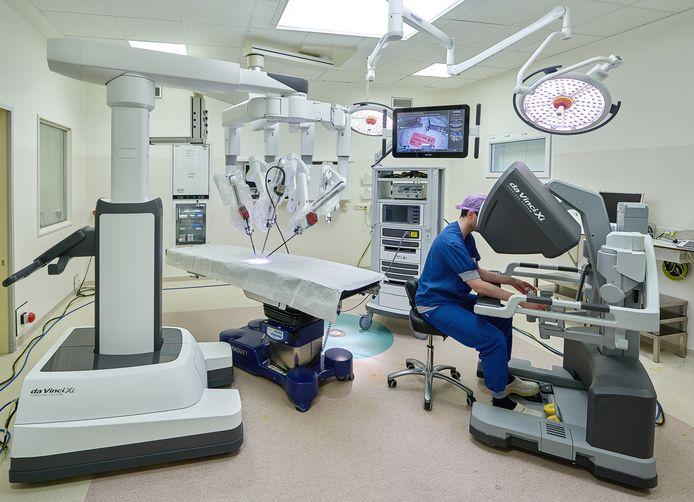 Operatiekamer met robottechnologie in ziekenhuis Rijnstate in Arnhem.