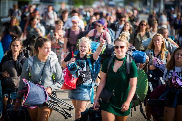 De laatste festivalgangers verlieten gisteren het campingterrein van Pukkelpop.