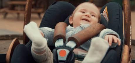 1 april: Efteling laat baby's toe in de Python
