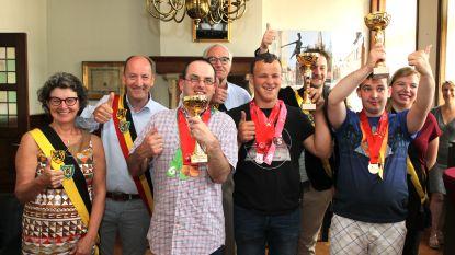Stad Eeklo zet medaillewinnaars Special Olympics in de bloemetjes