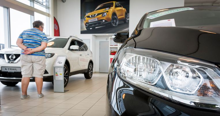 De aanschafprijs van nieuwe auto's valt tot medio volgend jaar flink duurder uit omdat staatssecretaris Snel weigert de BPM tijdelijk te verlagen, zegt de autobranche. Beeld ANP