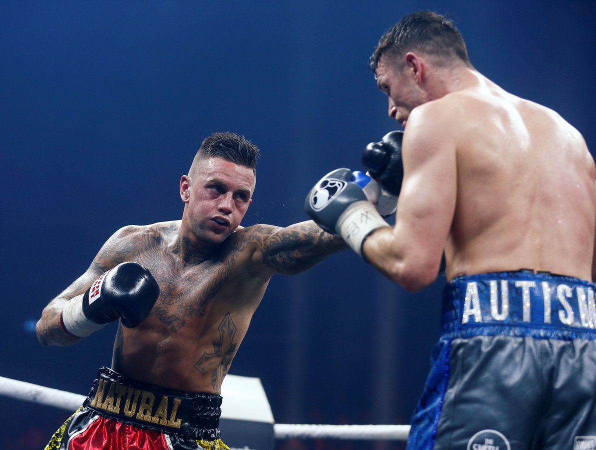 Nieky Holzken beperkte zich het afgelopen jaar vooral tot boksen, zoals tegen Callum Smith.
