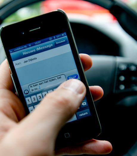 Politie kan grote aantal mobiele bellers op N36 tussen Ommen en Hardenberg (opnieuw) niet bijhouden