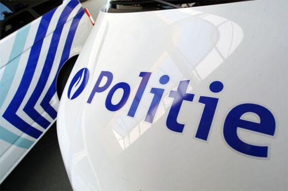 De politie Kouter leidde het verkeer tijdens de vaststellingen in goede banen.