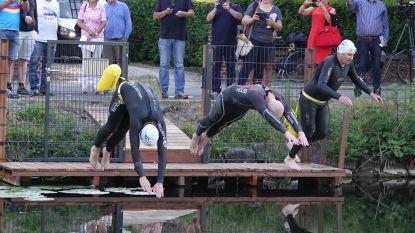 """Sportieve baantjeszwemmers eindelijk welkom in magisch stukje kanaal in Kortrijk: """"De natuur is prachtig en het water erg proper"""""""