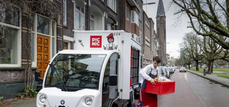 Rotterdam gaat vieze bedrijfsbusjes weren en stelt daarvoor twee miljoen euro beschikbaar