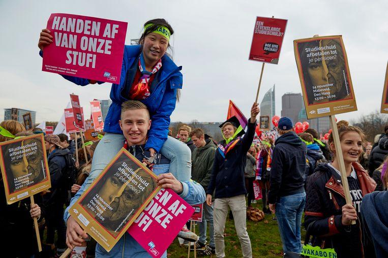 Studenten demonstreren op het Malieveld in Den Haag tegen het nieuwe leenstelsel, 14 november 2014. Beeld ANP