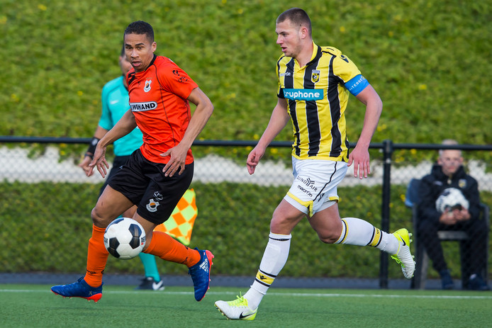 Thomas Oude Kotte (rechts) speelt doorgaans in het beloftenteam.