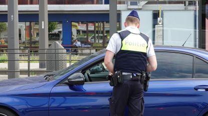 Zestien bestuurders proberen politiecontrole te ontvluchten