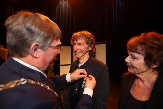 Krijn van Driel krijgt in 2018 door de burgemeester Rensen van Brielle zijn koninklijke onderscheiding, Ridder in de Orde van Oranje-Nassau,  opgespeld voor zijn veelzijdigheid en betrokkenheid.