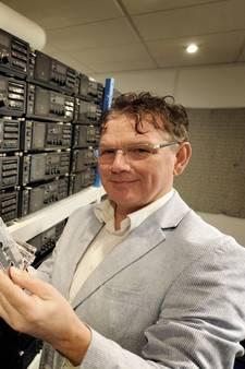 Thomas uit Lochem is straks de enige in de Benelux die nog cassettebandjes maakt