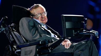 Dissertatie, boeken en rolstoel Stephen Hawking onder de hamer in Londen