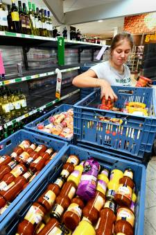 Jumbo in Wijk doneert levensmiddelen  aan voedselbank na plofkraak