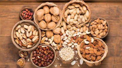 Handvol noten per week vermindert kans op hartziekten. Maar let op wélke nootjes je eet