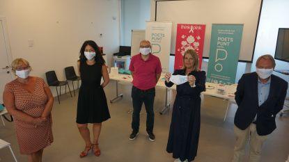 Poetspunt verdeelt Think Pink-mondmaskers en geeft werknemers coronapremie