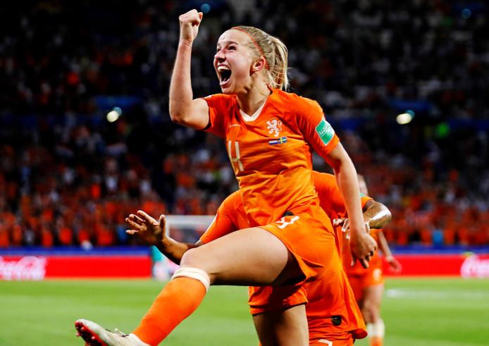 Jackie Groenen bezorgde de Oranje Leeuwinnen de overwinning in de halve finale tegen Zweden.