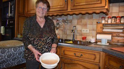 Bruin water in wijk Bloemenbos: elke inwoner krijgt 50 euro schadevergoeding