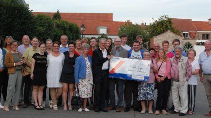 Koolkerks Feestcomité geeft 400 euro aan ALS-Liga