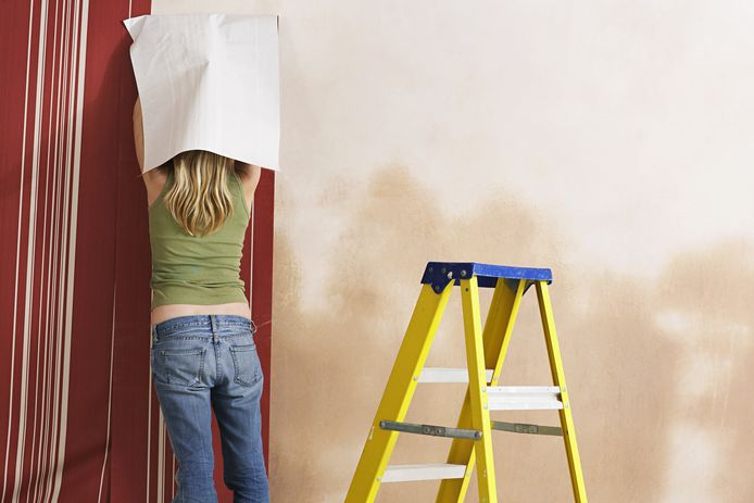 Behangen is een hele klus, dus je kunt maar beter goed voorbereid zijn.
