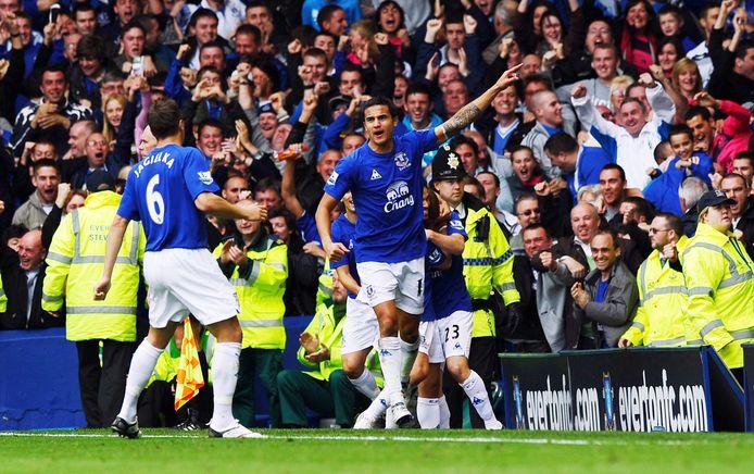 Tim Cahill viert zijn goal tegen Liverpool op 17 oktober 2010, de laatste keer dat Everton een Merseyside-derby won.