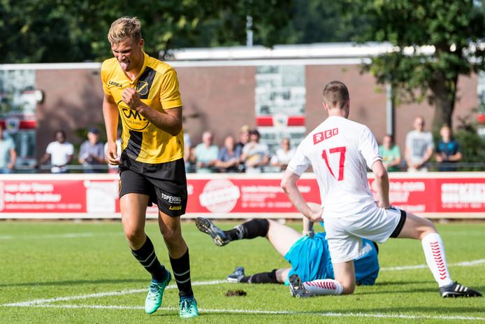 Sydney van Hooijdonk was verantwoordelijk voor de 0-5 bij Madese Boys - NAC. Zijn eerste goal in de hoofdmacht van NAC.